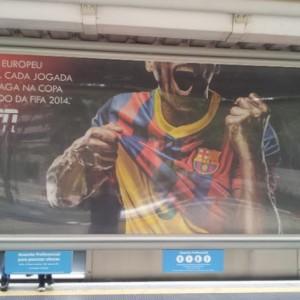 http://inovacao.equilibradigital.net/zoomimagem/wp-content/uploads/2016/05/zoom-imagem-comunicação-visual-salvador-Mobiliário-urbano-metro.54.jpg